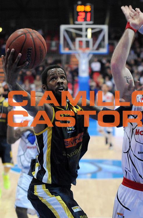 DESCRIZIONE : Piacenza Campionato Lega Basket A2 2011-12 Morpho Basket Piacenza Givova Scafati<br /> GIOCATORE : Paul Lester Marigney<br /> SQUADRA : Givova Scafati<br /> EVENTO : Campionato Lega Basket A2 2011-2012<br /> GARA : Morpho Basket Piacenza Givova Scafati<br /> DATA : 30/10/2011<br /> CATEGORIA : Tiro<br /> SPORT : Pallacanestro <br /> AUTORE : Agenzia Ciamillo-Castoria/L.Lussoso<br /> Galleria : Lega Basket A2 2011-2012 <br /> Fotonotizia : Piacenza Campionato Lega Basket A2 2011-12 Morpho Basket Piacenza Givova Scafati<br /> Predefinita :