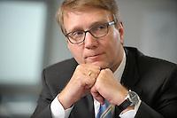 03 JAN 2008, BERLIN/GERMANY:<br /> Ronald Pofalla, CDU Generalsekretaer, waehrend einem Interview, in seinem Buero, Konrad-Adenauer-Haus<br /> IMAGE: 20080103-01-017