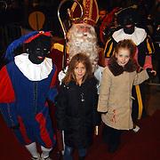 Premiere de Tweeling Amsterdam, Sinterklaas met de tweeling Julia en Sina