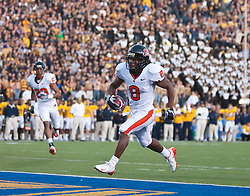 November 7, 2009; Berkeley, CA, USA;  Oregon State Beavers wide receiver James Rodgers (8) scores a touchdown against the California Golden Bears during the second quarter at Memorial Stadium.