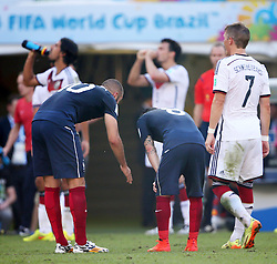 04.07.2014, Maracana, Rio de Janeiro, BRA, FIFA WM, Frankreich vs Deutschland, Viertelfinale, im Bild German players drinks water against France // during quarterfinals between France and Germany of the FIFA Worldcup Brazil 2014 at the Maracana in Rio de Janeiro, Brazil on 2014/07/04. EXPA Pictures © 2014, PhotoCredit: EXPA/ Eibner-Pressefoto/ Cezaro<br /> <br /> *****ATTENTION - OUT of GER*****