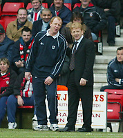 Photo: Scott Heavey<br />Southampton V West Bromwich Albion. 01/03/03.<br />The two managers share a joke during this premiership clash at St. Marys stadium, home of Southampton.