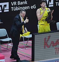 Basketball  1. Bundesliga  2017/2018  Hauptrunde  16. Spieltag  30.12.2017 Walter Tigers Tuebingen - MHP RIESEN Ludwigsburg Manager Robert Wintermantel (Tigers) mit Daumen hoch