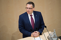 12.06.2019, Hofburg, Wien, AUT, Parlament, Nationalratssitzung, Sitzung des Nationalrates mit Vorstellung der Übergangsregierung, im Bild ÖVP-Klubobmann August Wöginger // Party whip of the Austrian Peoples Party (OeVP) August Woeginger during meeting of the National Council of austria at Hofburg palace in Vienna, Austria on 2019/06/12, EXPA Pictures © 2019, PhotoCredit: EXPA/ Michael Gruber
