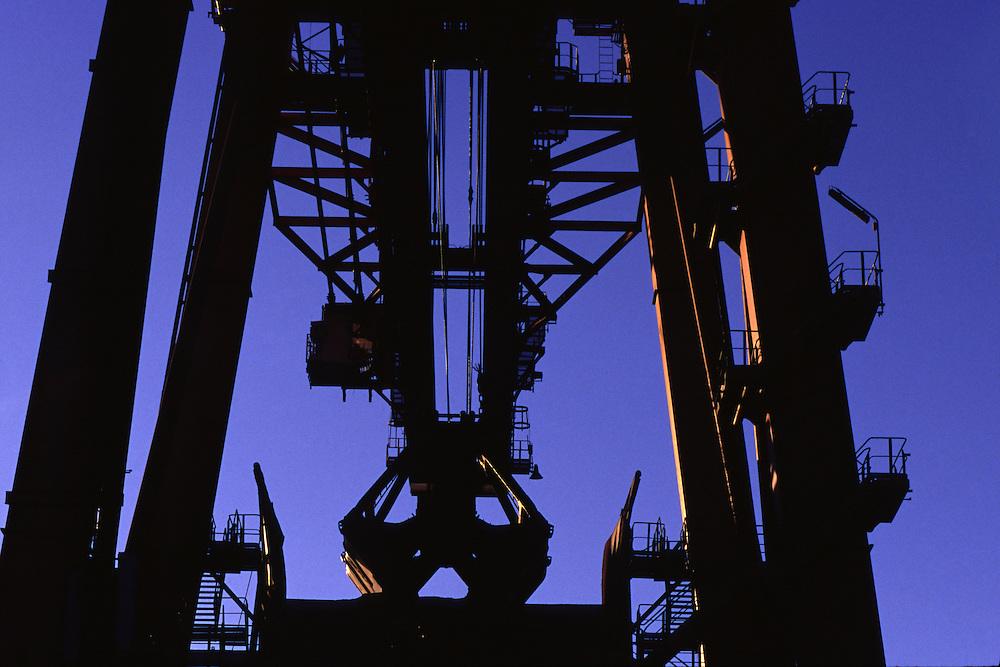 Vitoria_ES, Brasil...Equipamento do Porto de Tubarao, em Vitoria, o maior exportador de minerio de ferro do mundo...The equipament in Tubarao Port, in Victoria, the largest exporter of iron ore in the world...Foto: BRUNO MAGALHAES / NITRO