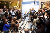11 NOV 2003, BERLIN/GERMANY:<br /> Wolfgang Bosbach, MdB, CDU, Stellv. CDU/CSU  fraktionsvorsitzender, gibt ein kurzes Pressestatement, zum Fall Hohmann, waehrend der Sitzung der CDU/CSU Bundestagsfraktion, Deustcher Bundestag<br /> IMAGE: 20031111-02-010<br /> KEYWORDS: Journalist, Journalisten, Mikrofon, microphone, Kamera, Camera