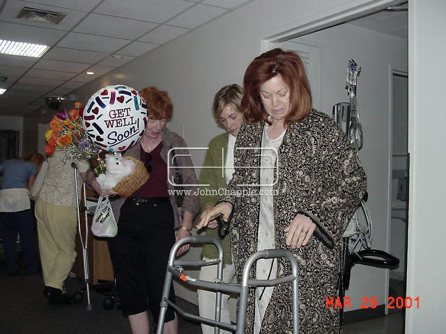 31st December 2009. Montecito, California. Berna Kieler who has complained to authorities that the 12 inch titanium rod in her hip, registers on all airport x-ray machines except at JFK airport, in New York. PHOTO © JOHN CHAPPLE / www.chapple.biz.john@chapple.biz  (001) 310 570 9100.