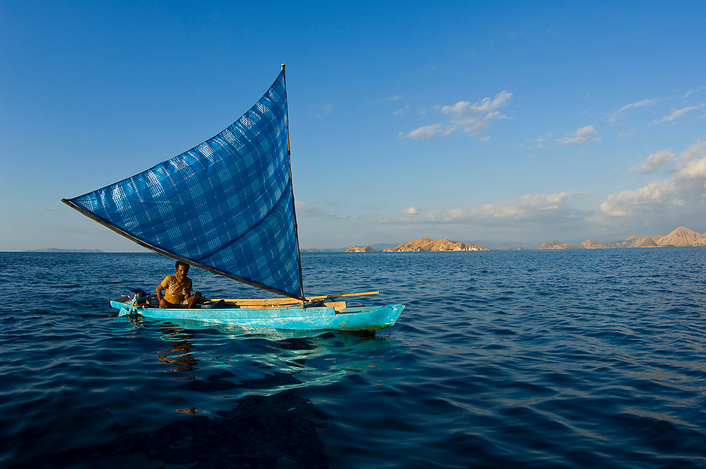 Fishermen fishing illegally in Komodo National Park, Indonesia. Although the park is designated as a protected area, enforcement of regulations is sporadic.