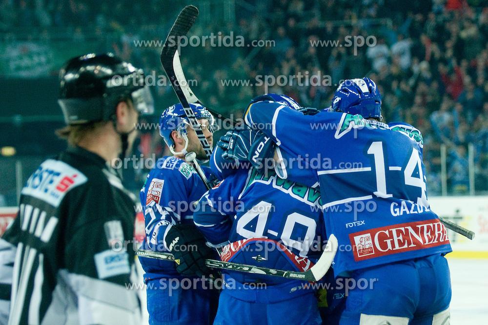 Team KHL Medvescak Zagreb during ice-hockey match between KHL Medvescak Zagreb and HDD Tilia Olimpija in 42nd Round of EBEL league, on Januar 25, 2011 at Arena Zagreb, Zagreb, Croatia. (Photo By Matic Klansek Velej / Sportida.com)
