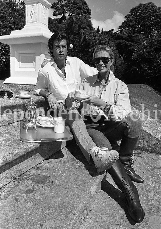 Pierce Brosnan and his family at Tinakilly house, Rathnew, Co Wicklow, 13/08/1987 (Part of the Independent Newspapers Ireland/NLI Collection).