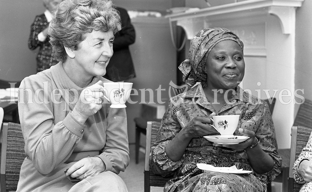 Robert Mugabe's wife Sally in Dublin during the Mugabe's two-day visit to Ireland. 8/09/1983. (Part of the Independent Newspapers Ireland/NLI Collection).
