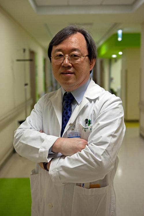 Seoul/South Korea, Republic Korea, KOR,08.12.2009: Professor Chun-Kun Park working for the Department of Neurosurgery at the Catholic University of Korea in Seoul.