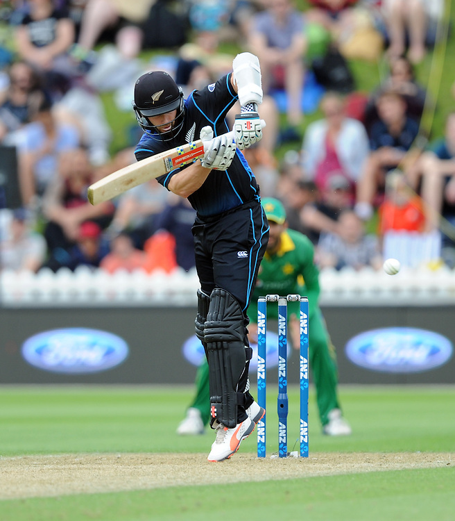 New Zealand's Kane Williamson batting against Pakistan in the 1st ODI International Cricket match at Basin Reserve, Wellington, New Zealand, Monday, January 25, 2016. Credit:SNPA / Ross Setford