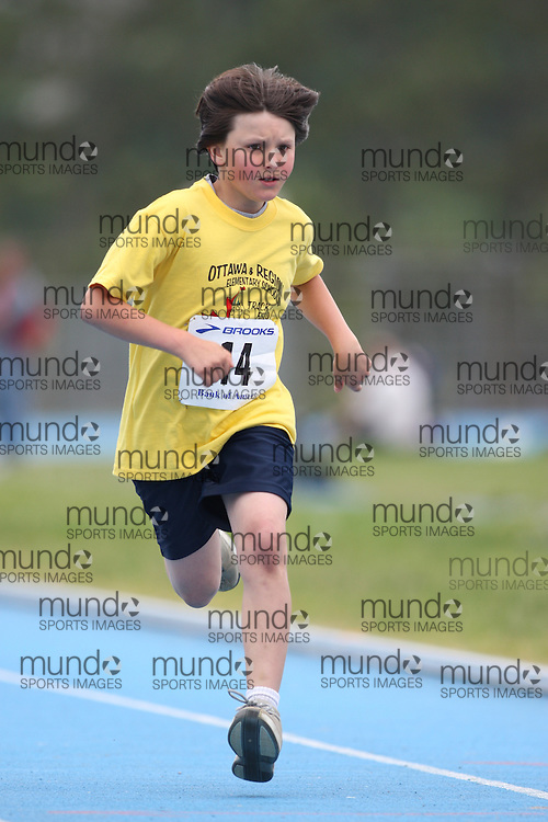 (Ottawa, Ontario---20/06/09)   Rylund Barkhouse competing in the 100m at the 2009 Bank of America All-Champions Elementary School Track and Field Championship. www.mundosportimages.com / www.msievents.