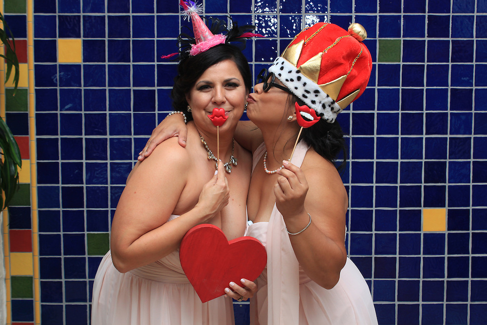 Jacksonville Photo Booth with KiKi Creates Unique and Artistic Open Air Photo Booths in Jacksonville and Northern Florida. Custom Options Available.