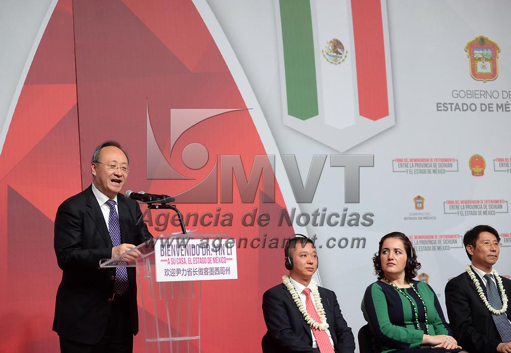 TOLUCA, México.- (Julio 07, 2017).- El gobernador Yin Li,  de la provincia Sichuan, República Popular de China, firmo un Memorándum de Entendimiento entre la Provincia de Sichuan y el Estado de México.  Agencia MVT / Crisanta Espinosa.