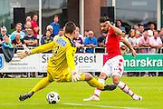 UITGEEST - 09-07-2016, AZ - FC Volendam, Complex FC Uitgeest, Volendam keeper Hobie Verhulst, AZ speler Alireza Jahanbakhsh
