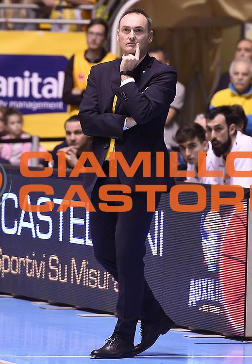 DESCRIZIONE : Torino Auxilium Manital Torino Giorgio Tesi Group Pistoia<br /> GIOCATORE : Luca Bechi<br /> CATEGORIA : allenatore coach<br /> SQUADRA : Manital Auxilium Torino<br /> EVENTO : Campionato Lega A 2015-2016<br /> GARA : Auxilium Manital Torino Giorgio Tesi Group Pistoia<br /> DATA : 07/12/2015 <br /> SPORT : Pallacanestro <br /> AUTORE : Agenzia Ciamillo-Castoria/R.Morgano<br /> Galleria : Lega Basket A 2015-2016<br /> Fotonotizia : Torino Auxilium Manital Torino Giorgio Tesi Group Pistoia<br /> Predefinita :