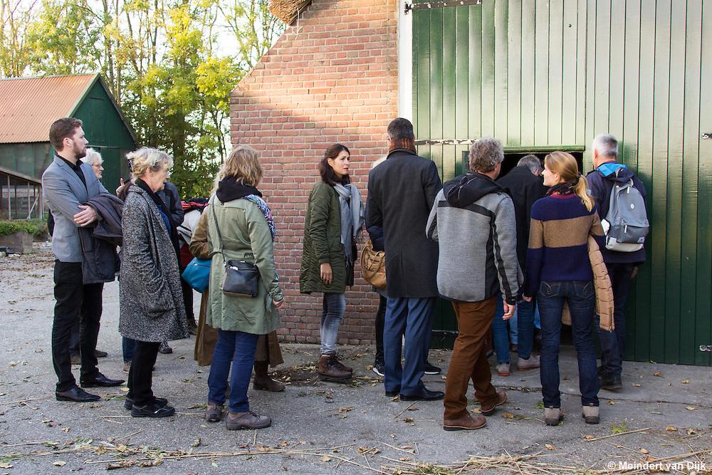 Bezoek aan de neoclassicistische antiekboerderij van de gebroeders Ferwerda.