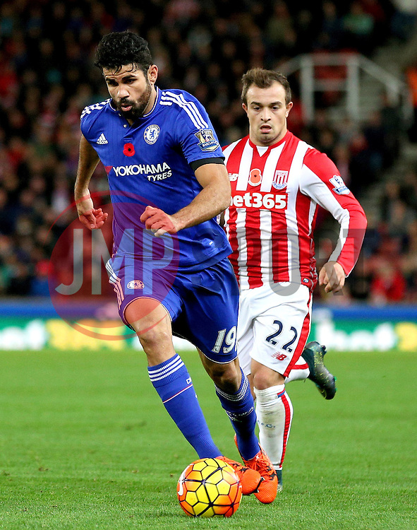 Diego Costa of Chelsea attacks - Mandatory byline: Matt McNulty/JMP - 07966 386802 - 07/11/2015 - FOOTBALL - Britannia Stadium - Stoke-On-Trent, England - Stoke City v Chelsea - Barclays Premier League