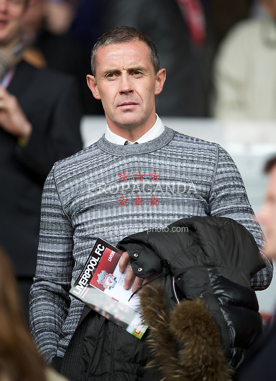 LIVERPOOL, ENGLAND - Saturday, April 7, 2012: Everton's coach David Weir during the Premiership match between Liverpool and Aston Villa at Anfield. (Pic by David Rawcliffe/Propaganda)