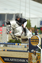 Kayser, Julia, Alicante 42<br /> Hagen - Horses and Dreams 2013<br /> Mittlere Tour<br /> © www.sportfotos-lafrentz.de/Stefan Lafrentz