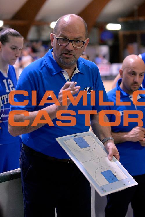 DESCRIZIONE : Roma Amichevole Pre Eurobasket 2015 Nazionale Italiana Femminile Senior Italia Ungheria Italy Hungary<br /> GIOCATORE : Roberto Ricchini<br /> CATEGORIA : timeout<br /> SQUADRA : Italia Italy<br /> EVENTO : Amichevole Pre Eurobasket 2015 Nazionale Italiana Femminile Senior<br /> GARA : Italia Ungheria Italy Hungary<br /> DATA : 15/05/2015<br /> SPORT : Pallacanestro<br /> AUTORE : Agenzia Ciamillo-Castoria/Max.Ceretti<br /> Galleria : Nazionale Italiana Femminile Senior<br /> Fotonotizia : Roma Amichevole Pre Eurobasket 2015 Nazionale Italiana Femminile Senior Italia Ungheria Italy Hungary<br /> Predefinita :