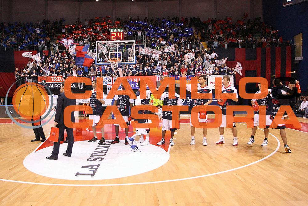 DESCRIZIONE : Biella Lega A 2009-10 Angelico Biella Cimberio Varese<br /> GIOCATORE : Squadra Tifosi<br /> SQUADRA : Angelico Biella<br /> EVENTO : Campionato Lega A 2009-2010 <br /> GARA : Angelico Biella Cimberio Varese<br /> DATA : 14/02/2010 <br /> CATEGORIA : Presentazione<br /> SPORT : Pallacanestro <br /> AUTORE : Agenzia Ciamillo-Castoria/S.Ceretti<br /> Galleria : Lega Basket A 2009-2010 <br /> Fotonotizia : Biella Campionato Italiano Lega A 2009-2010 Angelico Biella Cimberio Varese<br /> Predefinita :