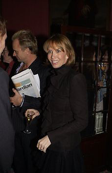 Trudie Styler, Literary Review Bad Sex in Fiction Award. In and Out Club, St. James, Sq. 3 December 2003. © Copyright Photograph by Dafydd Jones 66 Stockwell Park Rd. London SW9 0DA Tel 020 7733 0108 www.dafjones.com