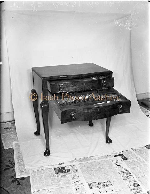 04/10/1952<br />