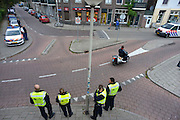 Nederland, Arnhem, 28-9-2012De gemeente Arnhem heeft een noodverordening uitgevaardigd vanwege mogelijke toestroom van Facebook feestje jongeren. Controle op toegangswegen, op en bij de stations en in de wijk.Foto: Flip Franssen/Hollandse Hoogte
