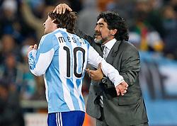 27-06-2010 VOETBAL: FIFA WORLDCUP 2010 ARGENTINIE - MEXICO: JOHANNESBURG <br /> Coach of Argentina Diego Maradona en Lionel Messi<br /> ©2010-FRH- NPH/ MVid Ponikvar (Netherlands only)