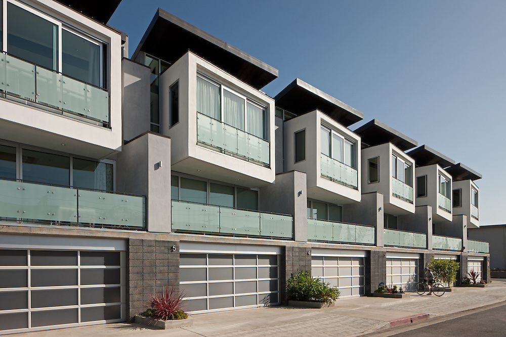 Venice Condos by William Adams Architects.  Photography by Tom Bonner.  Job ID 6030