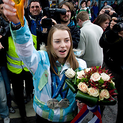 20100228: SLO, Arrival of Slovenian 2 times silver medal skier Tina Maze to Brnik from Vancouver