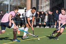 Teddington v Southgate - Men's Hockey League East Conference, Teddington School, London, UK on 19November 2017. Photo: Simon Parker