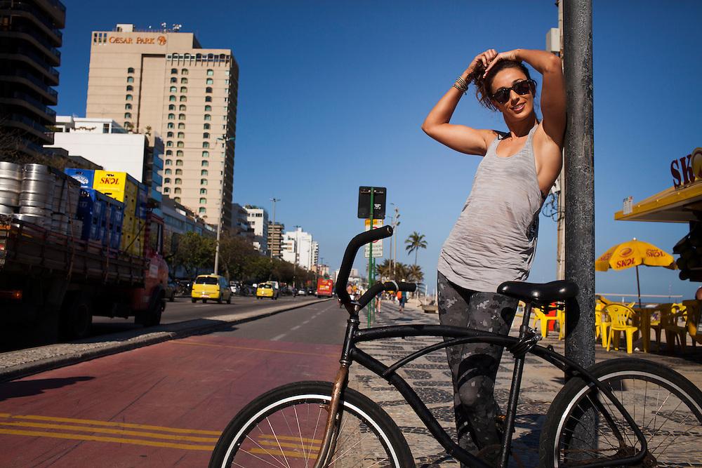 Rio de Janeiro, Brasil, September 13 of 2013:  Maria Clara Salgado shooting at  Ipanema beach. (photo: Caio Guatelli)