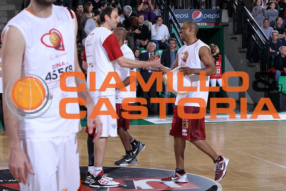 DESCRIZIONE : Treviso Lega A 2011-12 Umana Reyer Venezia Acea Roma<br /> GIOCATORE : alessandro tonolli alvin young<br /> CATEGORIA :  Before<br /> SQUADRA : Umana Reyer Venezia Acea Roma<br /> EVENTO : Campionato Lega A 2011-2012<br /> GARA : Umana Reyer Venezia Acea Roma<br /> DATA : 22/04/2012<br /> SPORT : Pallacanestro<br /> AUTORE : Agenzia Ciamillo-Castoria/G.Contessa<br /> Galleria : Lega Basket A 2011-2012<br /> Fotonotizia :  Treviso Lega A 2011-12 Umana Reyer Venezia Acea Roma<br /> Predefinita :