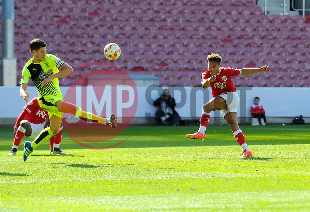 Bobby Reid of Bristol City hits the bar  - Mandatory by-line: Joe Meredith/JMP - 30/04/2016 - FOOTBALL - Ashton Gate Stadium - Bristol, England - Bristol City v Huddersfield Town - Sky Bet Championship