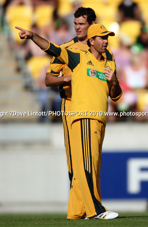 Australian captain Ricky Ponting gives directions alongside bowler Clint McKay.<br /> Fifth Chappell-Hadlee Trophy one-day international cricket match - New Zealand v Australia at Westpac Stadium, Wellington. Saturday, 13 March 2010. Photo: Dave Lintott/PHOTOSPORT
