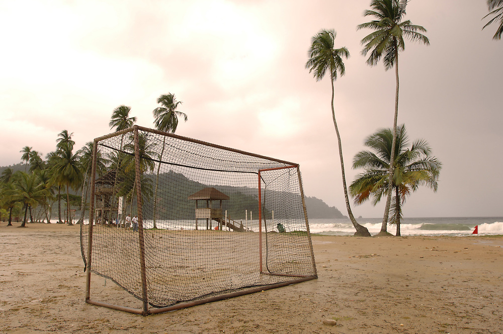 Football at Maracas Bay, Trinidad..German: Tor am am Strand in der Maracas-Bay in Trinidad.
