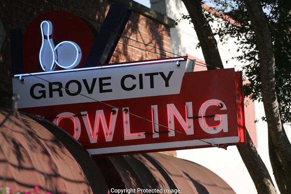Grove City Lanes is located on Broadway, the Maine Street into Grove City.(Jodi Miller/Alive)