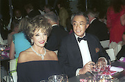 Joan Collins and David Tang, 30th Aniversary Gala Dinner, Serpentine Gallery.20 June 2000<br />© Copyright Photograph by Dafydd Jones 66 Stockwell Park Rd. London SW9 0DA Tel 020 7733 0108 www.dafjones.com