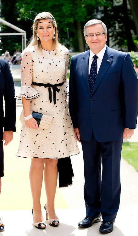 WARSCHAU - King Willem-Alexander and Queen Maxima of The Netherlands attend a concert of pianists Lucas and Arthur Janssen that they offer to President Komorowski at the Stanislaw Theater in Warsaw, Poland, 25 June 2014. The king and queen are in Poland for their first state visit 24 and 25 june.  COPYRIGHT ROBIN UTRECHT