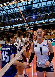 06-04-2017 NED:  CEV U18 Europees Kampioenschap vrouwen dag 5, Arnhem<br /> Nederland verliest met 3-1 van Italie en speelt voor de plaatsen 5-8 / Susanne Kos #1