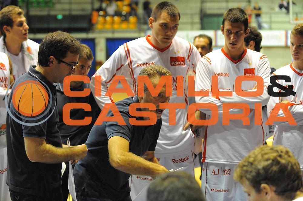 DESCRIZIONE : Desio Lega A 2010-11 Amichevole Trofeo Lombardia Armani Jeans Milano Cimberio Varese<br /> GIOCATORE : Piero Bucchi<br /> SQUADRA : Armani Jeans Milano<br /> EVENTO : Campionato Lega A 2010-2011<br /> GARA : Amichevole Trofeo Lombardia Armani Jeans Milano Cimberio Varese<br /> DATA : 25/09/2010<br /> CATEGORIA : Ritratto<br /> SPORT : Pallacanestro<br /> AUTORE : Agenzia Ciamillo-Castoria/GiulioCiamillo<br /> Galleria : Lega Basket A 2010-2011<br /> Fotonotizia : Desio Lega A 2010-11 Amichevole Trofeo Lombardia Armani Jeans Milano Cimberio Varese<br /> Predefinita :