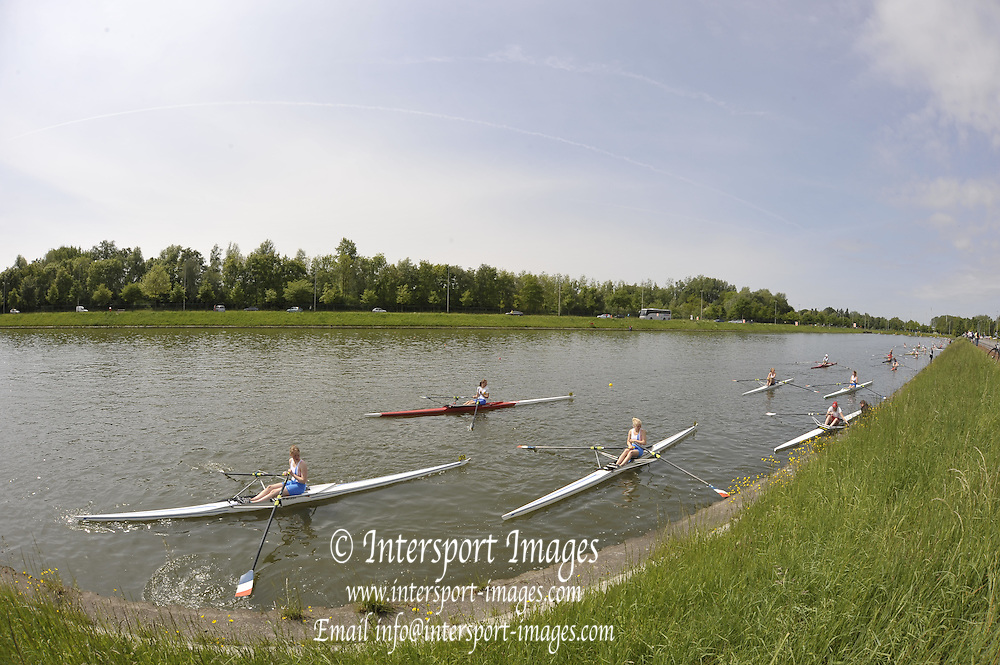 Gent, BELGIUM,  General views,  Women's singles marshaling at the start area for their Sat morning heats, at  the International Belgian Rowing Championships, Saturday 09/05/2009, [Mandatory Credit. Peter Spurrier/Intersport Images]