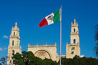 Mexique, Etat de Yucatan, Merida, capitale du Yucatan, Place de independance, la cathedrale // Mexico, Yucatan state, Merida, the capital of Yucatan, the cathedral, square of independence