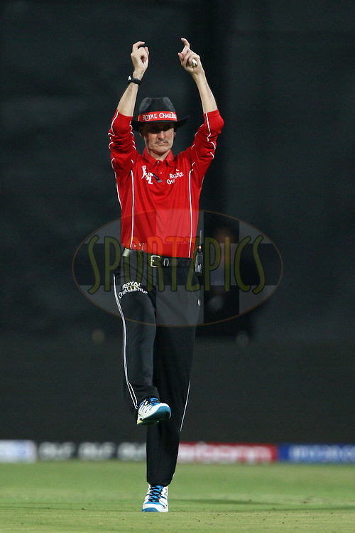 Umpire Billie Bowden during the IPL 2012 Season 5 eliminator match between The Mumbai Indians and The Chennai Superkings held at the M. Chinnaswamy Stadium, Bengaluru on the 23rd May 2012..Photo by Jacques Rossouw/IPL/SPORTZPICS