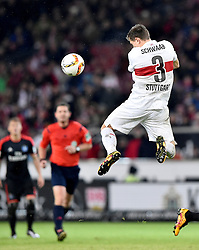 30.12.2015, Mercedes Benz Arena, Stuttgart, GER, 1. FBL, VfB Stuttgart vs Hamburger SV, 19. Runde, im Bild Daniel Schwaab VfB Stuttgart Kopfball Aktion // during the German Bundesliga 19th round match between VfB Stuttgart and Hamburger SV at the Mercedes Benz Arena in Stuttgart, Germany on 2015/12/30. EXPA Pictures © 2016, PhotoCredit: EXPA/ Eibner-Pressefoto/ Weber<br /> <br /> *****ATTENTION - OUT of GER*****