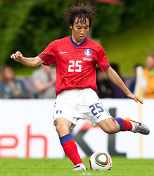 30.05.2010, Kufstein Arena, Kufstein, AUT, FIFA Worldcup Vorbereitung, Testspiel Sued Korea (KOR) vs Weissrussland (BLR), im Bild Cho Young-Hyung Cho Young-Hyung ( KOR, #25 ). EXPA Pictures © 2010, PhotoCredit: EXPA/ J. Groder / SPORTIDA PHOTO AGENCY